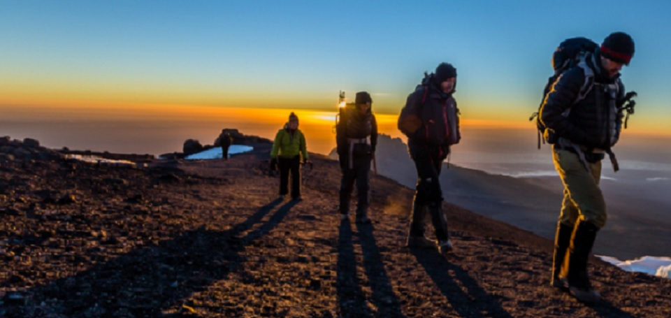 Machame-route-climbers-on-the-crater-rim-approaching-the-Uhuru-Peak